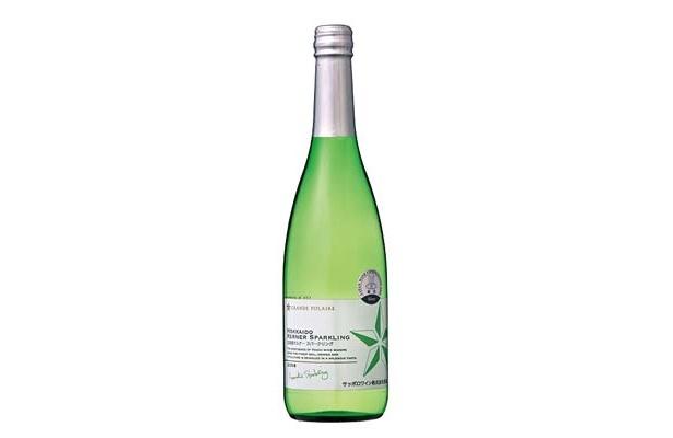 青りんごのようなフレッシュな香り「グランポレール 北海道ケルナー スパークリング」(1260円前後/600ml)【ぶとうベース派】