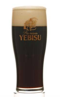 飲み口がビターでさわやかな黒ビールの「ヱビス<ザ・ブラック>」(350ml・550円)