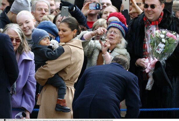 【写真を見る】エステル王女とオスカル王子は国民的人気者だ
