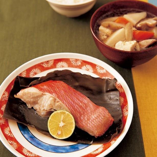 白身魚の昆布蒸し、根菜汁