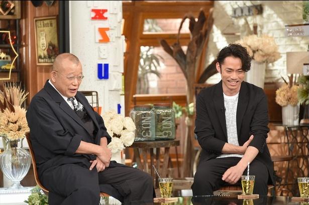【写真を見る】鶴瓶らが現役時代のコーチ・長光歌子さんを取材したと知った高橋は思わず笑顔を見せる