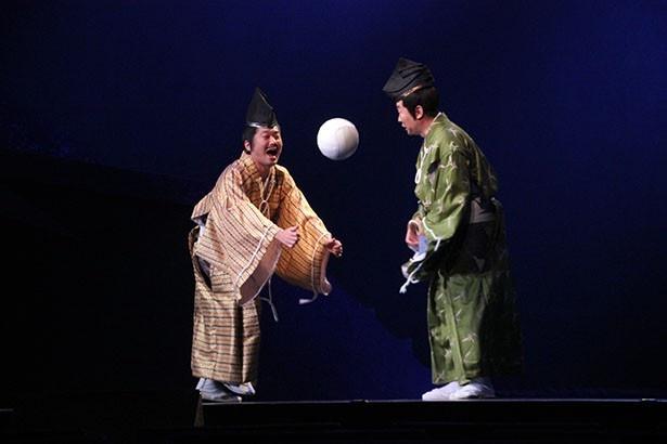 三好長慶役の山崎樹範(左)のアドリブにも注目