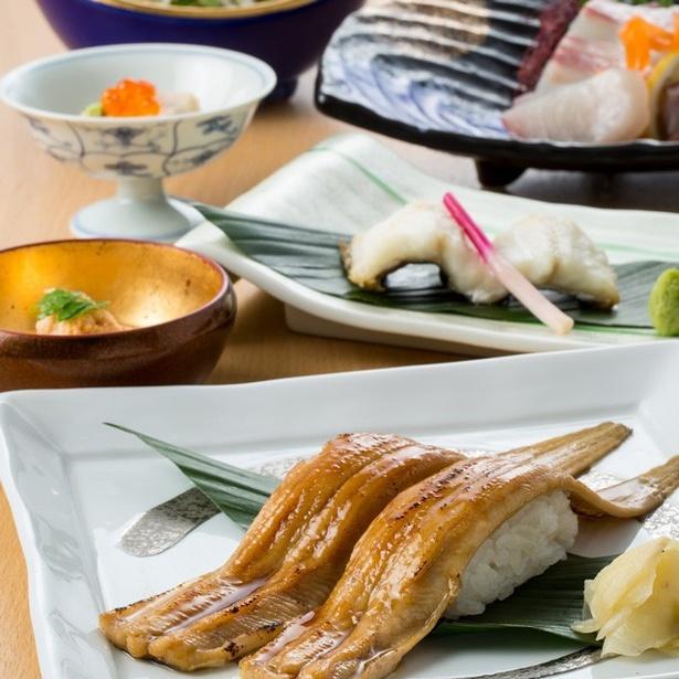【写真を見る】旬のアナゴを贅沢に使用した「穴子会席コース」(7500円)