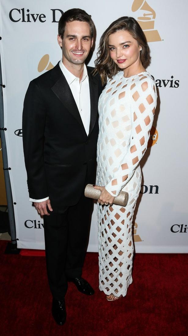 【写真を見る】再婚したエヴァン・スピーゲルとのラブラブ2ショット