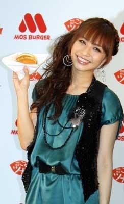 ランチによくハンバーガーを食べるという優木さん