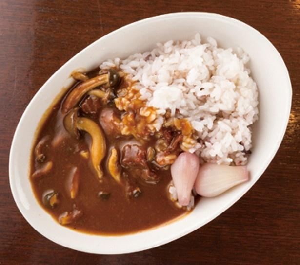 【画像を見る】「食彩健美 野の葡萄 ららぽーと横浜店」の野菜がたっぷり入ったカレー。ちょっと酸味が効いた味わいがクセになる