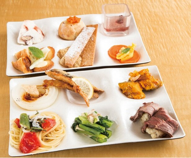 「はーべすと 新百合ヶ丘エルミロード店」の料理イメージ。タマネギのステーキやハイビスカスのジュレなど華やかなメニューが並ぶ