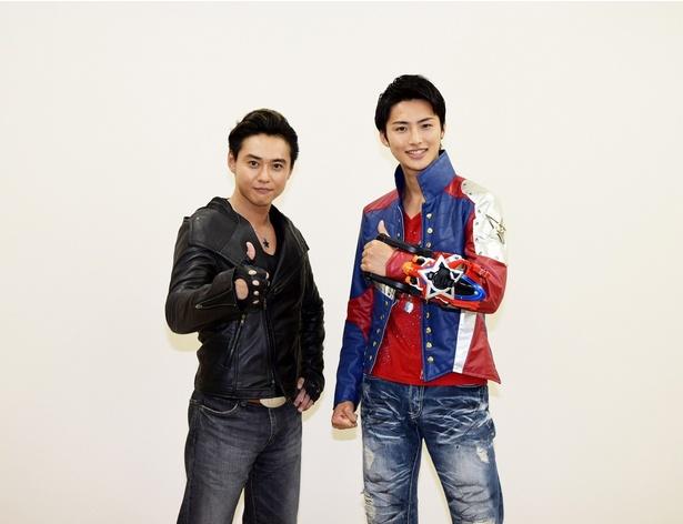 「宇宙戦隊キュウレンジャー」主演の岐洲匠(右)とゲストで登場の石垣佑磨(左)