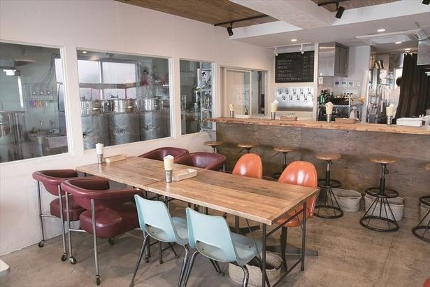 アンティークな家具が配され、カフェのよう