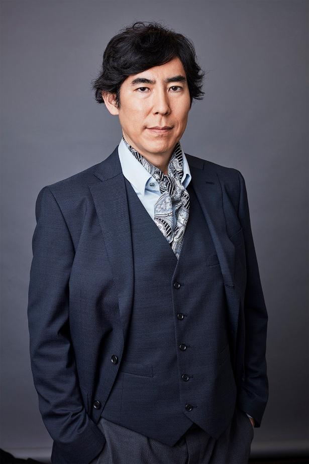 高嶋は裏口入学で得た巨額の利益を借名口座に預金している大手予備校理事長・橋田常雄を担当