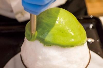 エスプーマとは、液状の食材を専用器具を使ってムース状にしたもののこと。独特のフワフワ食感と素材そのものの豊かな風味を楽しめる/茶三楽