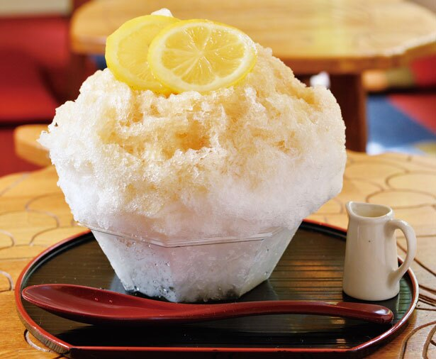 【写真を見る】「ほうじ茶ラテ氷」(大・900円、小・800円)/大阪浪花家