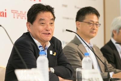 記者会見で挨拶をする河村たかし名古屋市長