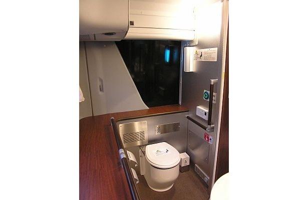 キラキラ号の広いトイレ