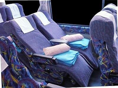 低反発シートを導入した「VIP LINER」。ブランケットなどの貸し出しもある