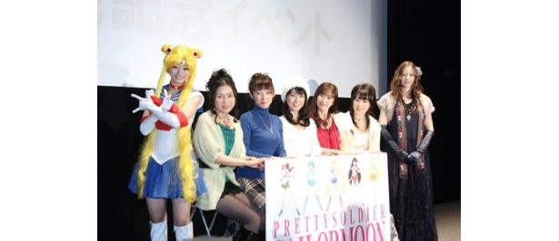 イベントに登場した喜屋武ちあき、篠原恵美、久川綾、三石琴乃、富沢美智恵、深見梨加、HIMEKA(写真左から)