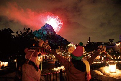 【13】ケープコッドを散策しながら、クリスマスソングにのせて花火が打ち上がる「クリスマスウィッシュ・イン・ザ・スカイ」を見よう