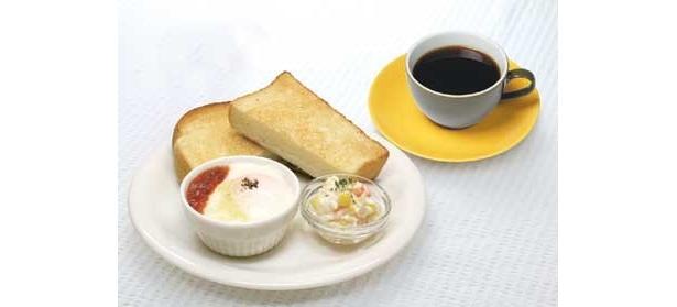 B:エッググラタンセット(550円)  バタートースト+エッググラタン+ミニコールスローサラダ+ドリンク
