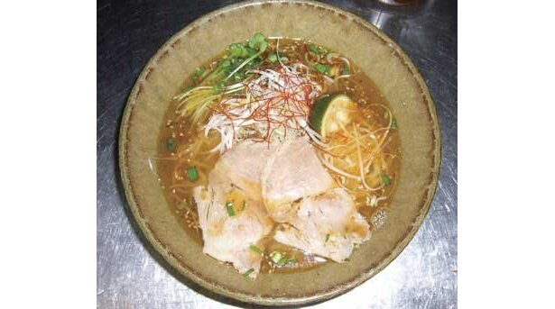 とんこつ王国九州でとんこつと人気を二分する「麺劇場 玄瑛」からは「海老香麺」が登場