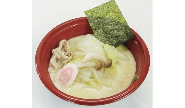 松村未央フジテレビアナーも、「大好きな豆乳鍋をラーメンにしました。白菜、シメジ、豚肉と豆乳鍋の具がそのまま入ってます」と、「ミオパン」ラーメンの出来栄えに自信満々
