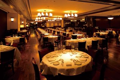 米国の舌の肥えた美食家をもうならせる極上ステーキハウス「ウルフギャング・ステーキハウス 六本木店」