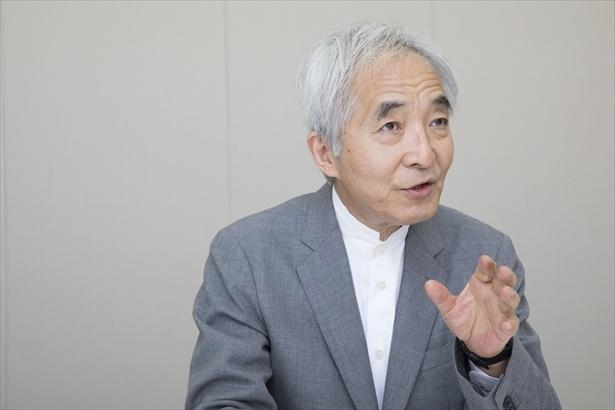 同アワードで第1回から審査委員長を務めるノンフィクション作家の吉岡忍氏