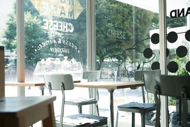カジュアルで居心地のいい空間のできたてチーズ専門店「SHIBUYA CHEESE STAND」