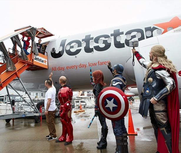 「スパイダージェット」、成田空港を出発 セレモ …