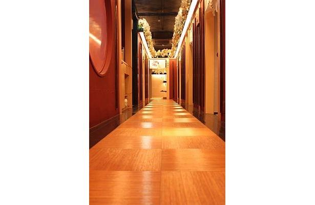 まるで江戸時代のお屋敷のような廊下/龍馬邸