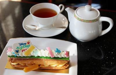 """【写真を見る】提供は7月7日(金)まで!コーヒーまたは紅茶が付く「""""ディズニー七夕デイズ""""ケーキセット」(1450円)"""
