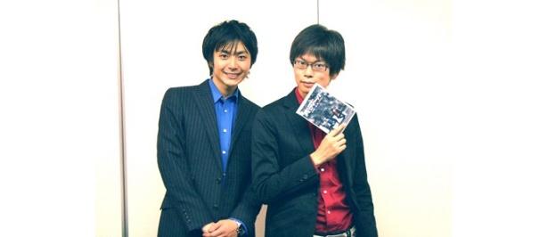 青いシャツの佐々木優介(写真左)は183cm、赤いシャツの永沢たかし(同右)は177cmと、高身長コンビでもある磁石