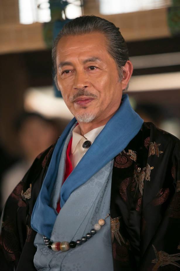 本田博太郎が、荒くれ者さえ慕う気賀の商人たちの代表・中村与太夫を好演中