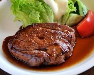 JR沼ノ沢駅の構内に直結している「レストランおーやま」。同店でぜひ味わってほしい一品が……