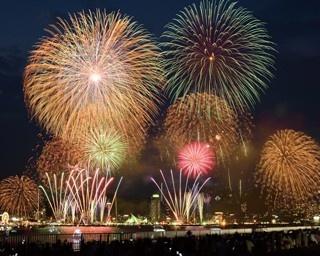 琵琶湖の夜空を彩る花火「2017 びわ湖大花火大会」