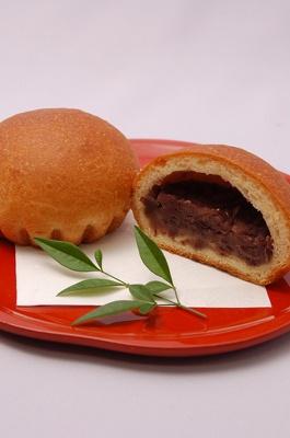 パサッとした食感の生地は、噛み締めるごとにバターの風味が広がる