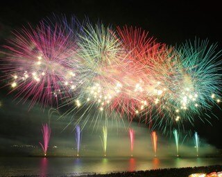 神奈川などで人気の「花火ファンタジア」が九州で初開催!「シーサイドももち花火ファンタジアFUKUOKA」