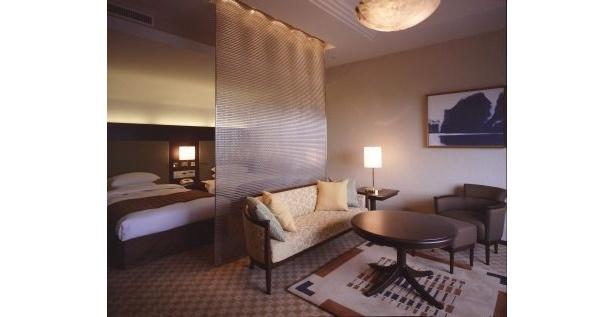 「雪まつり満喫福袋」宿泊するスイートルームのリビング(イメージ)