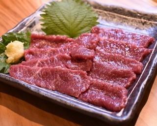 究極のラム肉を味わおう!北海道産ジンギスカン店が九州初出店