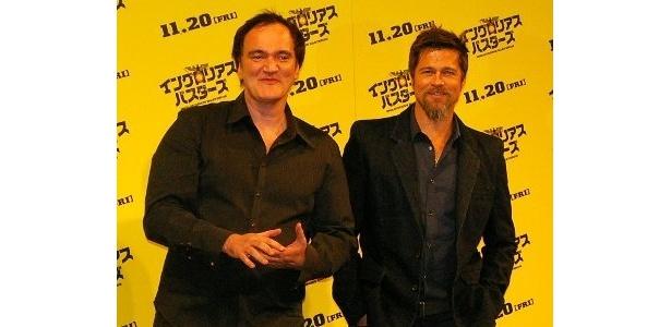 『イングロリアス・バスターズ』のPRで来日したクエンティン・タランティーノ監督(左)