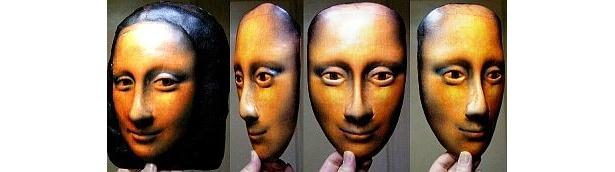 こちらはモナリザのリアルマスク。まるで蝋人形のような仕上がりに!