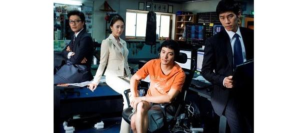 『セブンデイズ』(07)のパク・ヒスン演じるジョングらとのチームワークも見どころ
