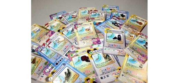 今、ユーザーを夢中にさせているのが「コロカ」というカード。ゲーム会社と提携した土産物店で実際に商品を買わないともらえない