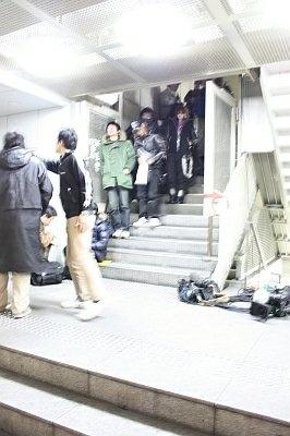 極寒の中、先頭の男性は前日昼12時から並んだという