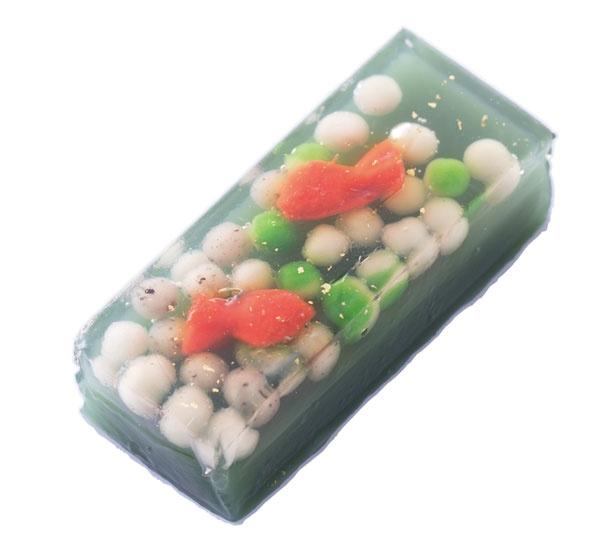 工芸菓子「金魚」(1080円)/七條甘春堂