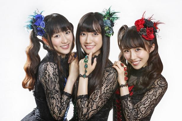 美声女ユニット・elfin'の花房里枝、辻美優、高橋美衣(左から)