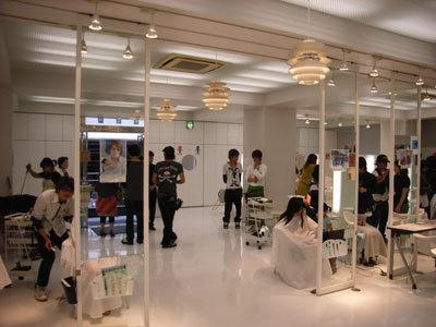 総勢約15名の理・美容師が参加