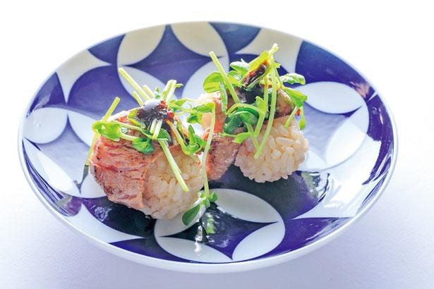 「カイノミ」(1貫330円)/福島 焼肉寿司