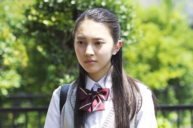 ドコモのCMに出演し、その美少女ぶりが話題になった若手女優の久保田紗友