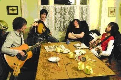 UKロックバンド「YETI」のミニライブも