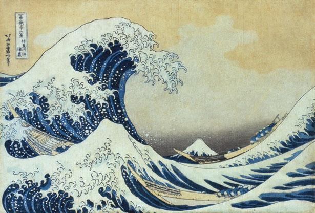 北斎の代表作「冨嶽三十六景 神奈川 沖浪裏」。常設展のほか企画展も開催。すみだ北斎美術館所蔵